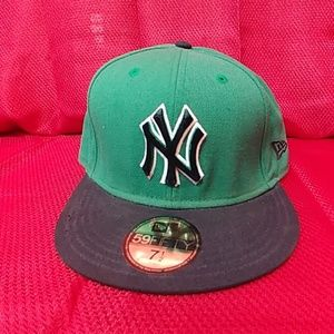 Yankees Fitted Baseball Hat by New Era